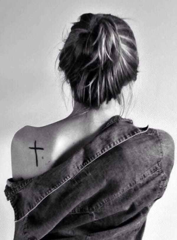 Unique Ideas Of Cross Tattoo Designs For Women With Meaning